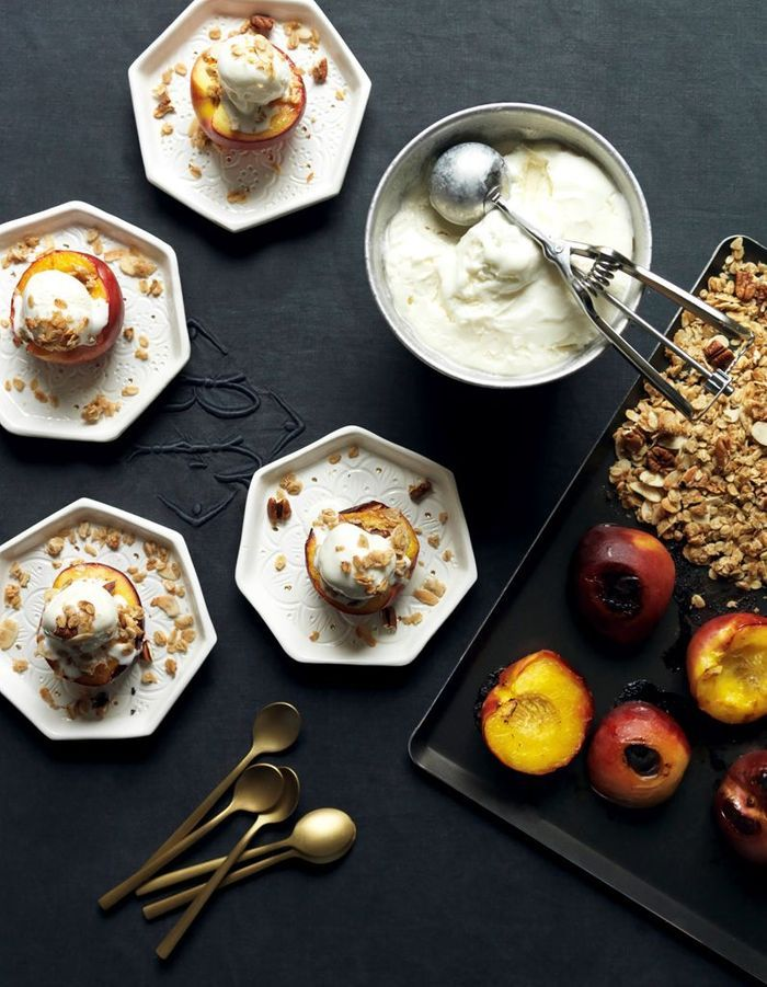 Nectarines et granola pécan