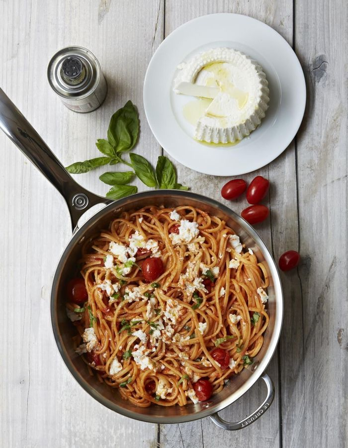 One pot pasta spaghettis, tomates et ricotta