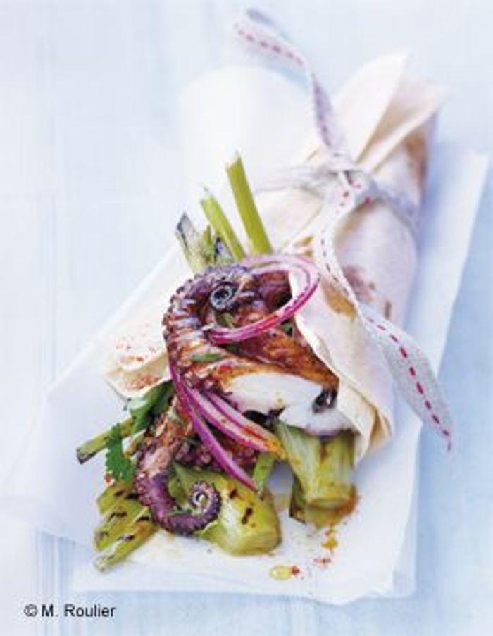 Petits poulpes et fenouil grillés en kebab