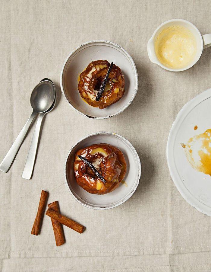 Pommes au four, crème anglaise