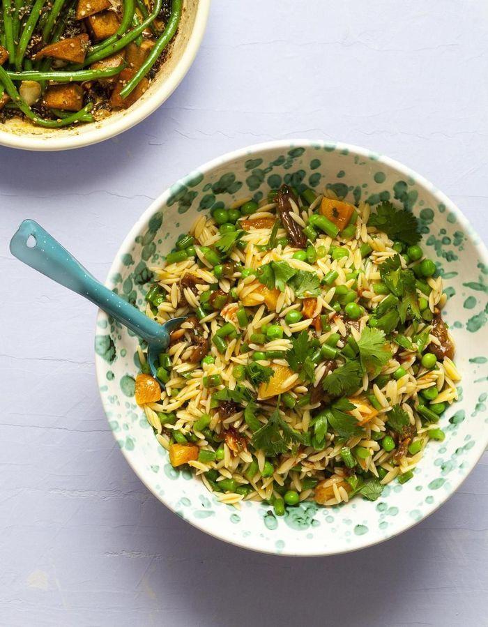 Salade de petites pâtes et haricots verts aux fruits secs