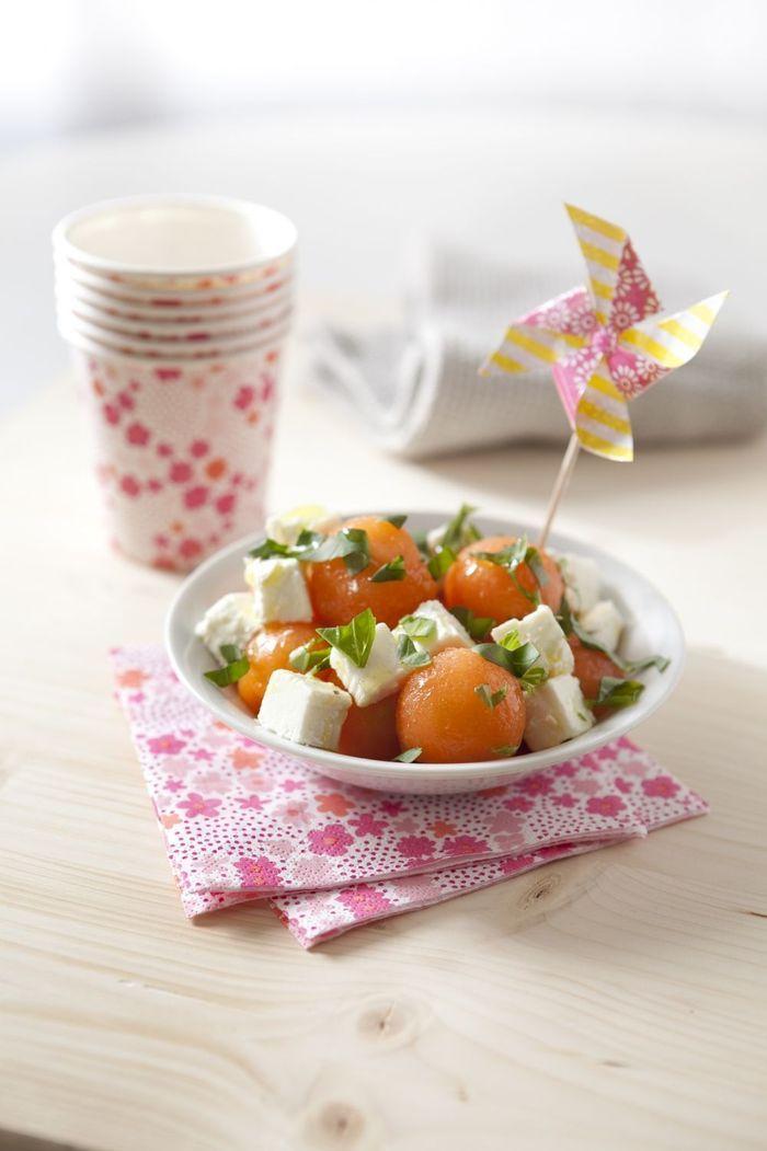 Salade sucré-salé melon, feta et basilic