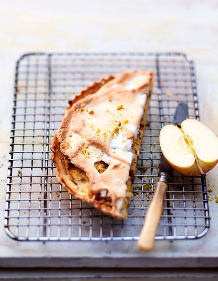 Tarte meringuée pommes râpées et pistaches