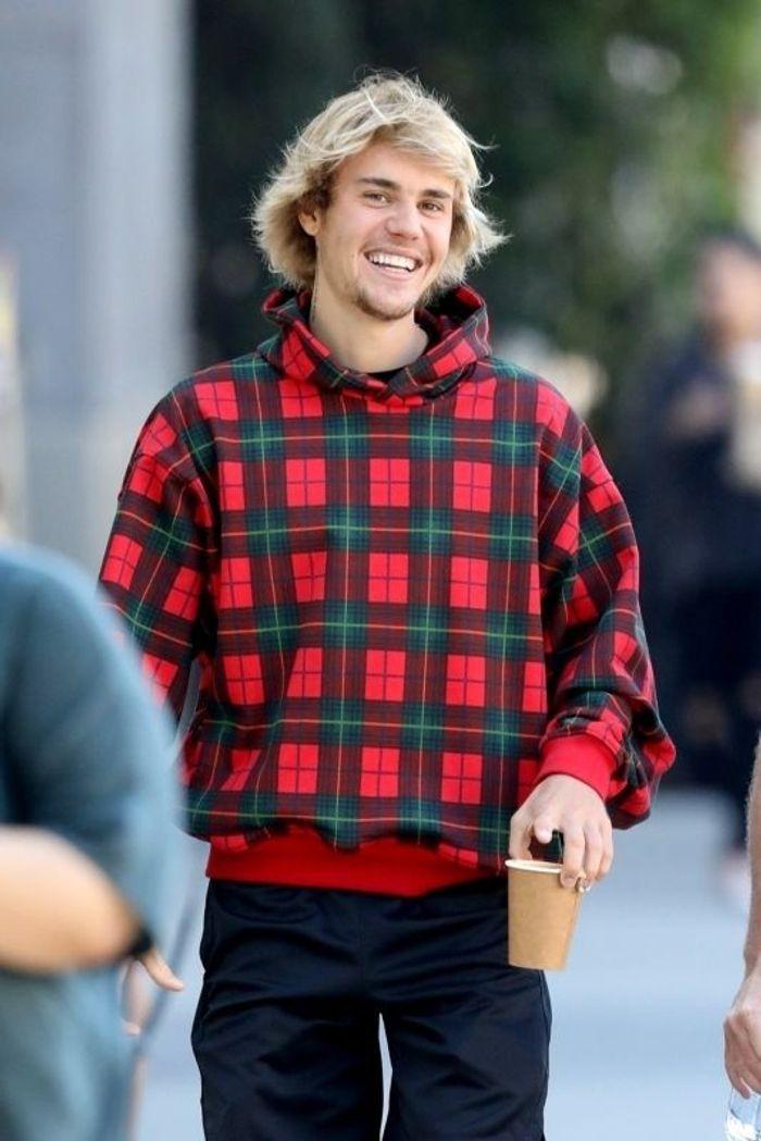 Justin Bieber en pull écossais