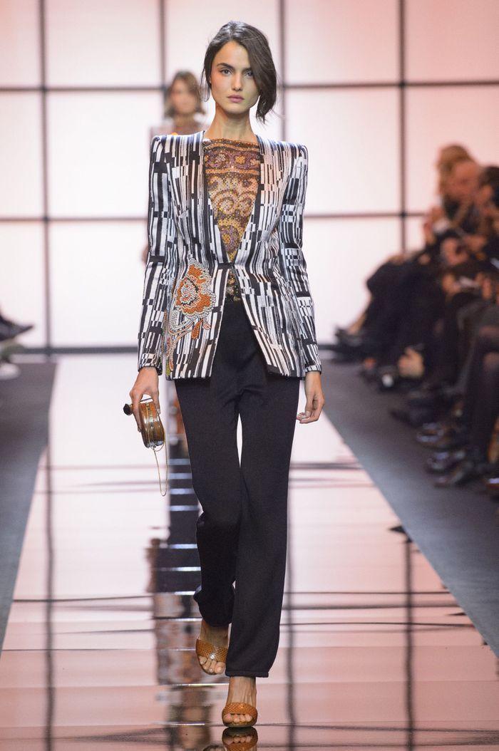 3bd745ec39d4b2 Défilé Giorgio Armani Haute Couture printemps-été 2017 - Paris - Elle
