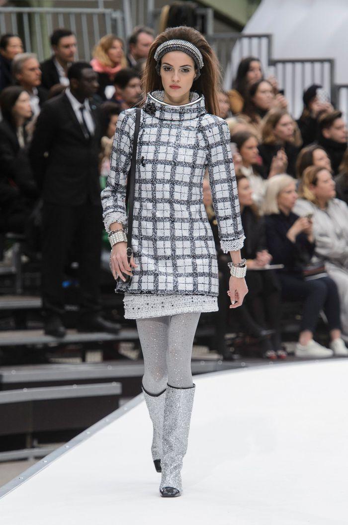 Défilé Chanel Prêt à porter Automne-Hiver 2017-2018 - Paris - Elle 593b715332f