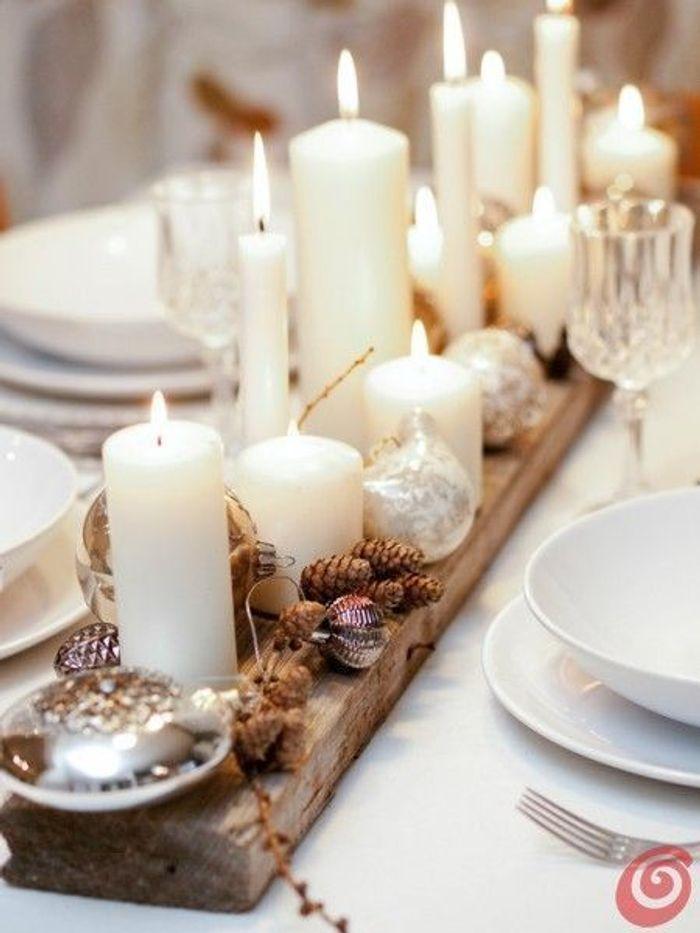 Une table de fête chaleureuse