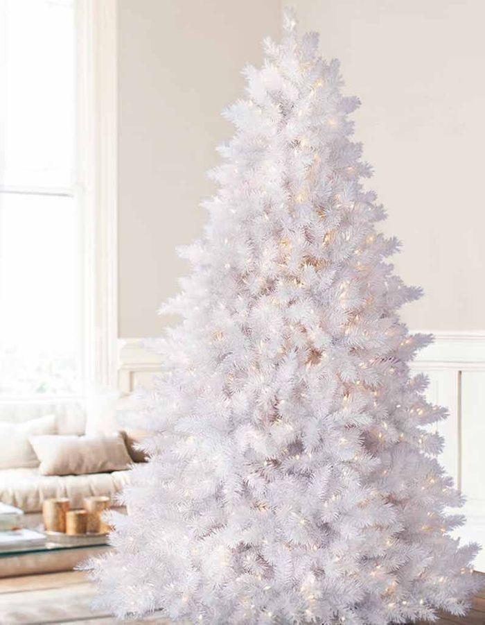 Faux sapin de Noël blanc
