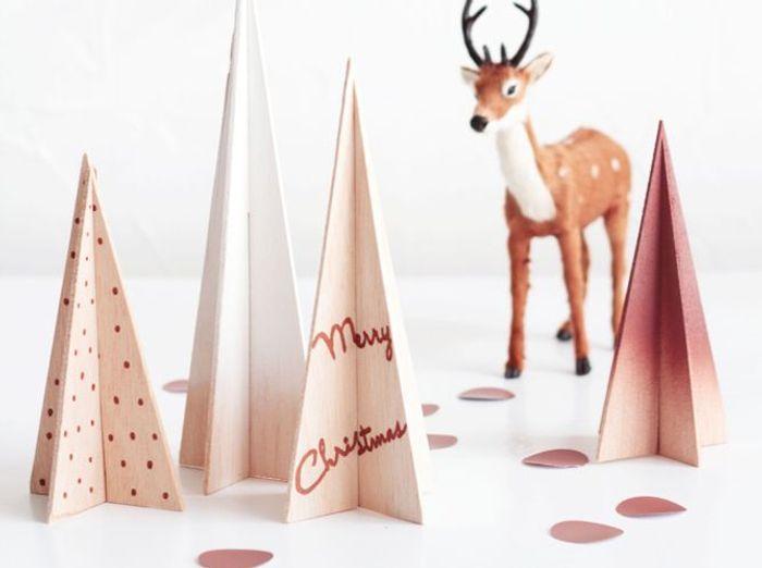 Faux sapin de Noël en bois et à réaliser soi-même