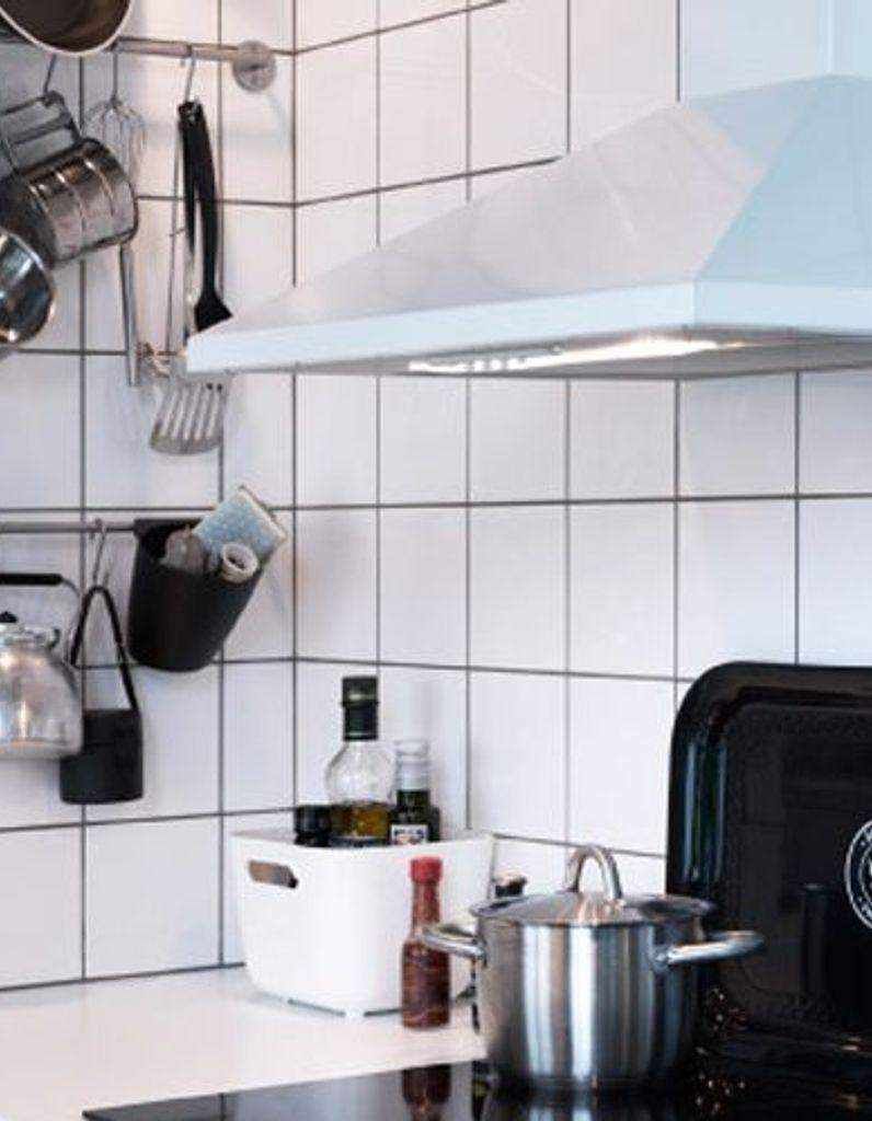 Etagere Dessus Micro Onde petite cuisine : 5 astuces pour gagner de la place - elle