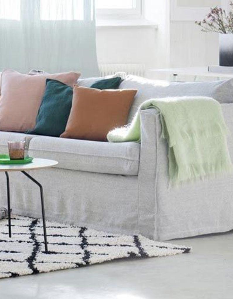Changer La Couleur D Un Canapé En Cuir leçon de déco : relooker son canapé sans le changer - elle
