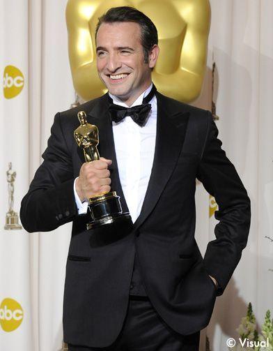 Jean Dujardin Rafle L Oscar Du Meilleur Acteur The Artist Couronné Elle