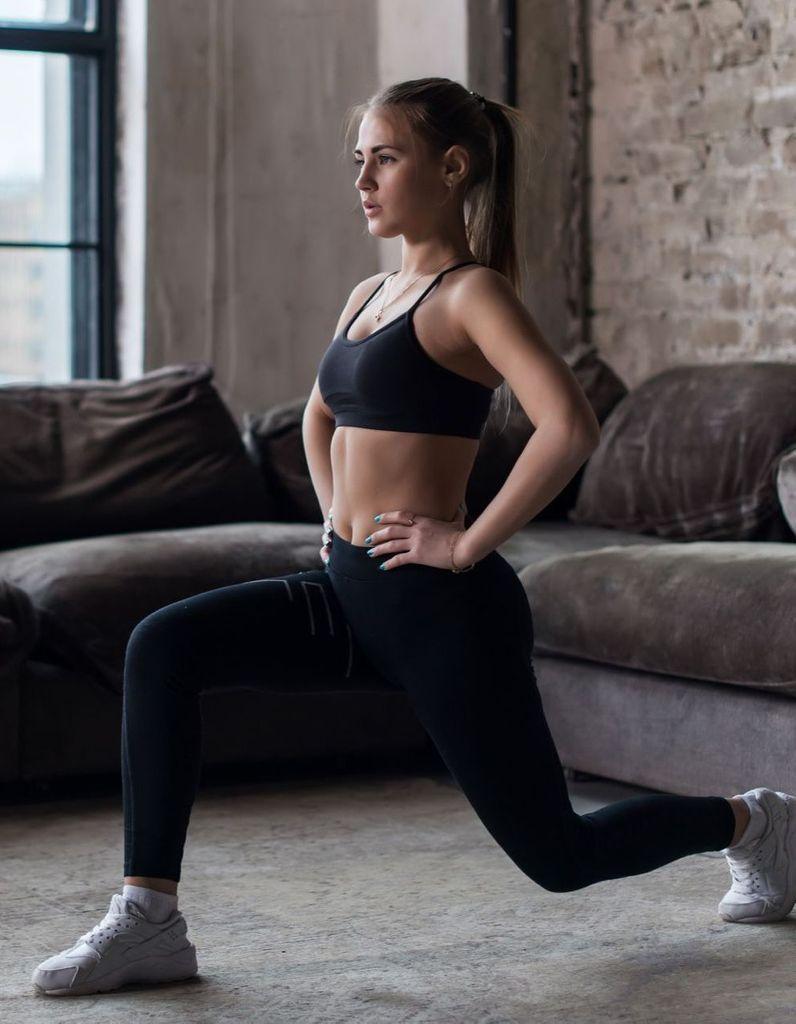 Gymnastique A Faire Chez Soi 9 erreurs à éviter quand on fait du sport chez soi - elle