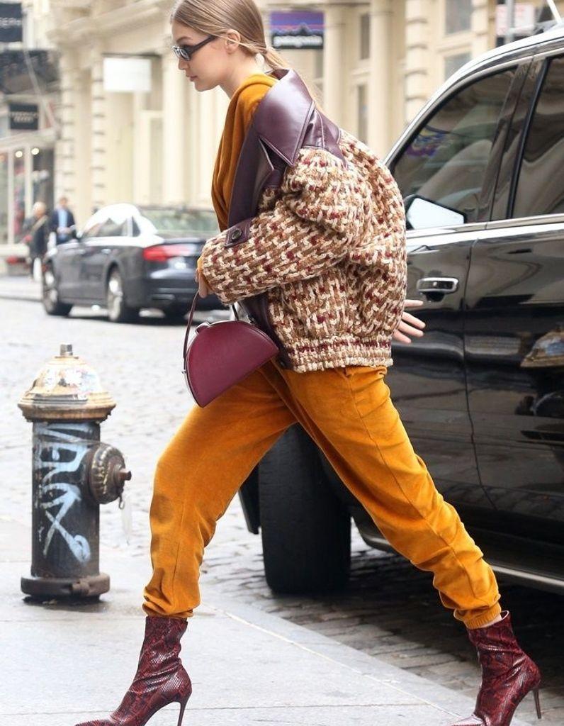 prix favorable nuances de vente à bas prix Alerte : Gigi Hadid porte des bottines Mango à moins de 50 ...