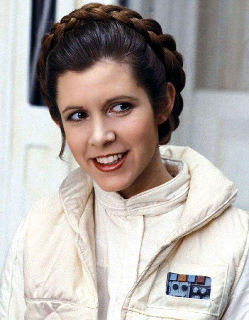 les sosies d'USGS Carrie-Fisher-le-message-d-outre-tombe-de-la-princesse-Leia-qui-a-emu-sa-famille