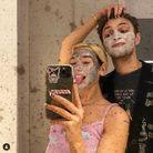 Le masque à l'argile de Dua Lipa et son petit ami Anwar Hadid