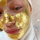 Le masque en or de Gigi Hadid