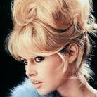 Le chignon à frange de Brigitte Bardot en 1956
