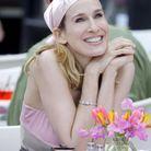 Coiffure de Carrie Bradshaw avec un bandana