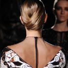 Coiffure cheveux mouillés minimaliste