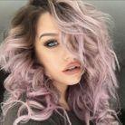 Cheveux lilas, boucles XL