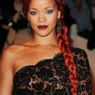 La coloration rouge de Rihanna