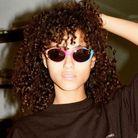 Elongated bob version curly