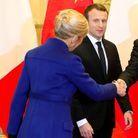 Le chignon haut élégant de Brigitte Macron