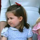 Charlotte et son ruban rouge au défilé Trooping the Colours