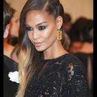 Joan Smalls, tigresses aux longueurs tie and dye