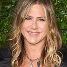 Le menton volontaire de Jennifer Aniston
