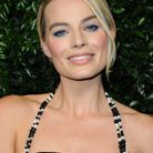 Le maquillage bleu de Margot Robbie