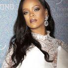 Le maquillage glacé de Rihanna