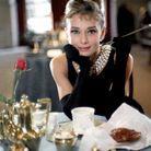 Le rouge à lèvres rose d'Audrey Hepburn dans « Diamants sur canapé »