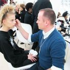 Peter Philips, aux manettes de la cabine maquillage Chanel