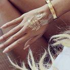 Tatouage doré main