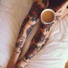 Tatouage rose jambe