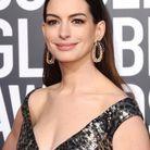 Anne Hathaway et ses cheveux plaqués