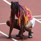 Cheveux multicolore sur athlète