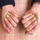Vernis à ongles jaune tournesol
