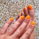 Le vernis orange d'annahoury