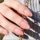 La manucure velvet nails version french