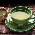 Le thé vert, une solution contre l'acné