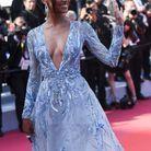 Jasmine Tookes en robe au décolleté plongeant au Festival de Cannes