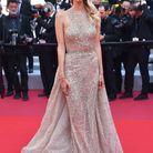 Leonie Hanne en robe longue au Festival de Cannes