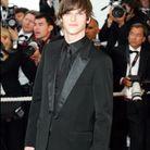 Gaspard Ulliel et son total look noir au Festival de Cannes