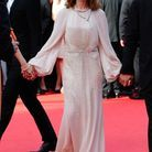 Isabelle Huppert en longue robe crème