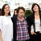 Marion Cotillard (en Y/PROJECT), Mathieu Amalric et Charlotte Gainsbourg