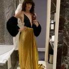 Lou Doillon filme sa robe Gucci sous toutes les coutures