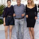 Daphné Patakia, Paul Verhoeven (réalisateur), Virginie Efira au photocall du film Benedetta lors du 74ème festival international du film de Cannes